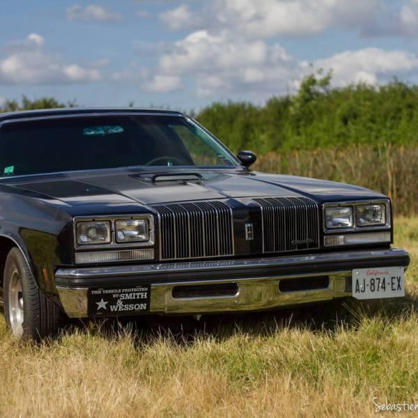 Oldsmobile 1977